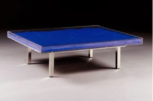 Yves KLEIN, Table basse