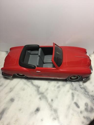 Michel AROUTCHEFF - Sculpture-Volume - Volkswagen Karman Ghia Cabriolet 1965
