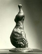 亨利•摩尔 - 雕塑 - Standing Girl