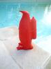 "William SWEETLOVE - Escultura - ""Small cloned penguin with water bottle"" numéroté et signé"