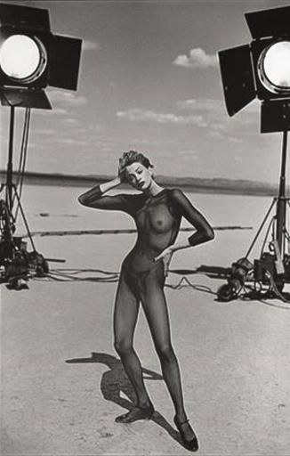 Peter LINDBERGH - Photography - Kristen Mc.Menamy,  El Mirage, California , 1996