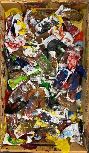 阿尔曼 - 绘画 - Accumulation of paint tubes in a cardboard box