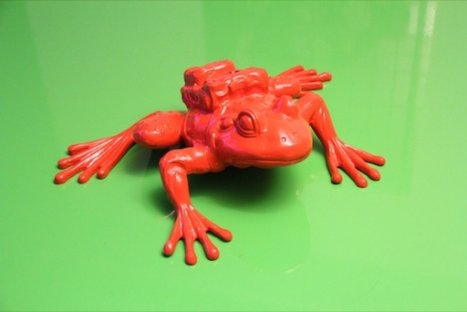 William SWEETLOVE - Sculpture-Volume - Cloned RED aluminum FROG with backpack