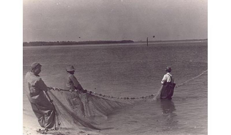Manuel KOMROFF - Fotografia - fisherman