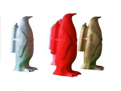William SWEETLOVE - Sculpture-Volume - Small cloned penguin with water bottle