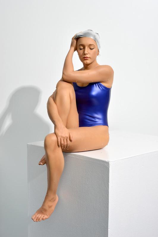 Carole FEUERMAN - Sculpture-Volume - Midpoint II (Table - Top) w/ Ultramarine blue Suit