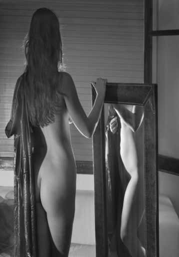 "Dmitry SAVCHENKO - Fotografia - "" Beauty and mirror. Barcelona """