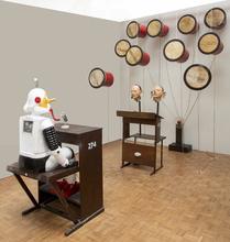 Heri DONO - Escultura - 'The Jester Court'