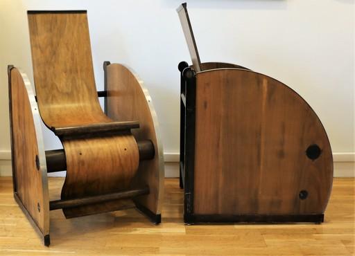 Paire de fauteuils modernistes