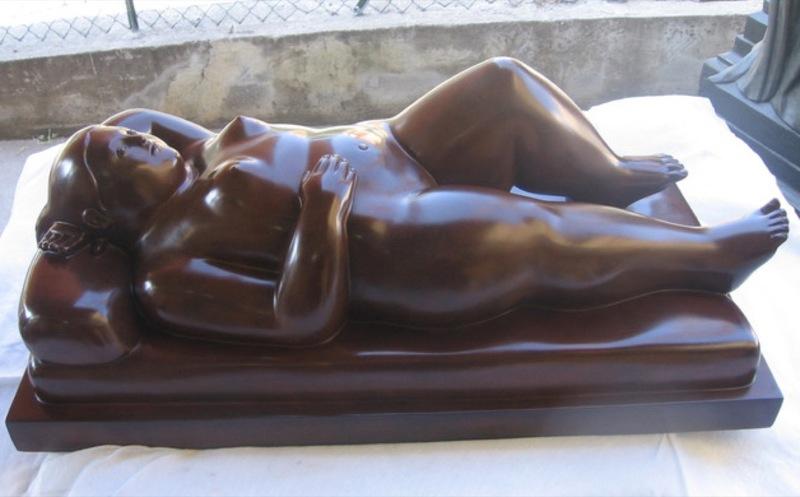 Fernando BOTERO - Sculpture-Volume - Donna distesa
