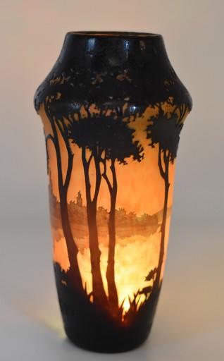 Antonin DAUM - Vase paysage lacustre