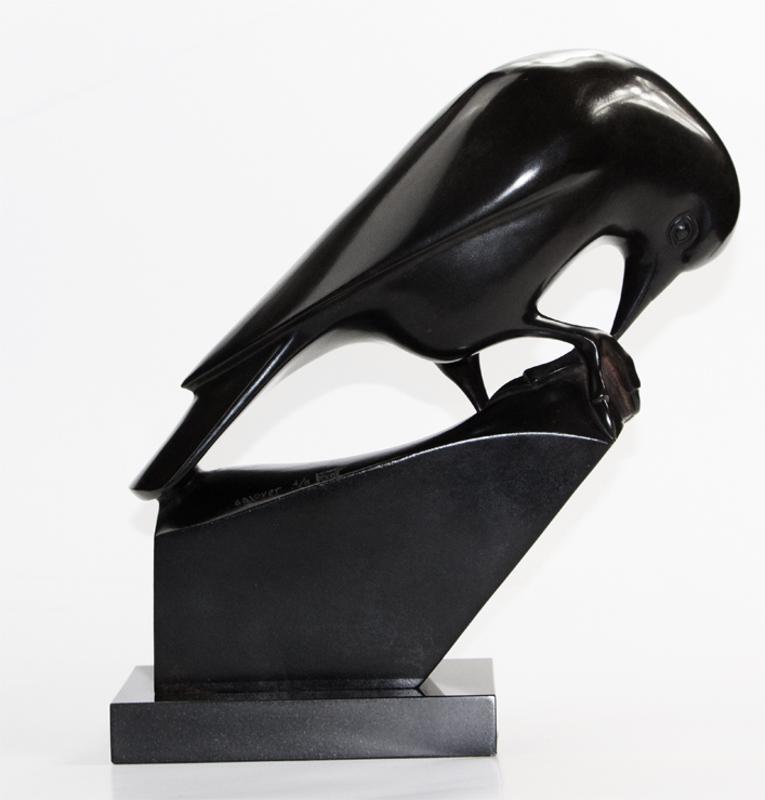 François GALOYER - Sculpture-Volume - Choucas des tours picorant une noix