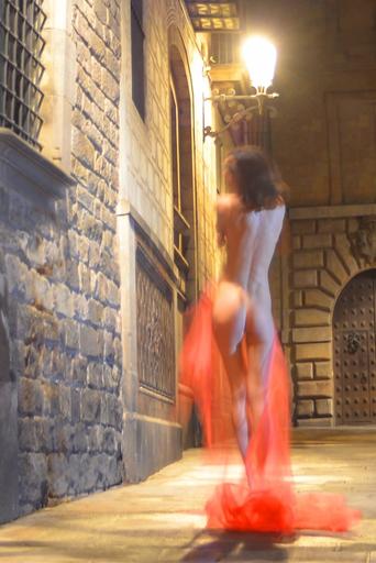 "Dmitry SAVCHENKO - Fotografia - ""Grace in red. Barcelona"""