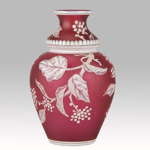 Thomas WEBB - Red Flower Vase