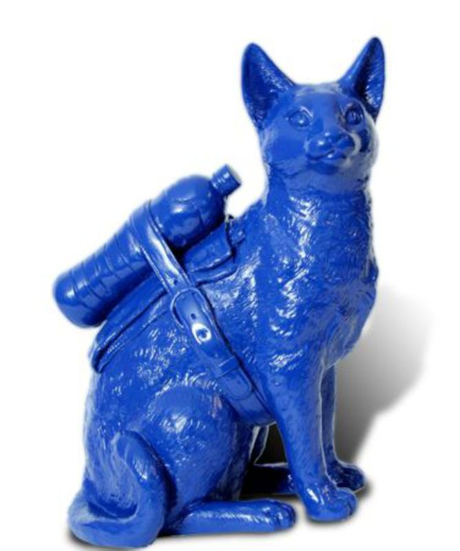 William SWEETLOVE - Estampe-Multiple - Small cloned Blue cat with water bottle