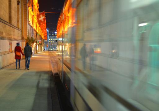 "Dmitry SAVCHENKO - Fotografia - "" Night tram. Geneva """