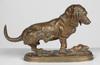 """Édouard Paul DELABRIERRE - Skulptur Volumen - """"Basset se grattant"""" bronze sculpture, ca 1870"""
