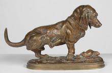 """Édouard Paul DELABRIERRE - Escultura - """"Basset se grattant"""" bronze sculpture, ca 1870"""
