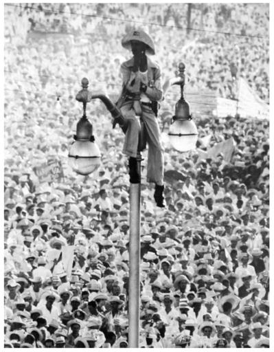 Alberto KORDA - Fotografia -  El Quijote de la Farola La Habana
