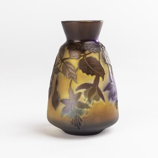 艾米里·加利 - Emile Gallé (1846-1904), vase aux fushias, XIXe
