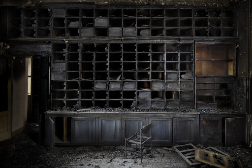 Henk VAN RENSBERGEN - Photography - The Burnt Library