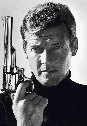 Terry O'NEILL - Photography - Roger Moore as James Bond