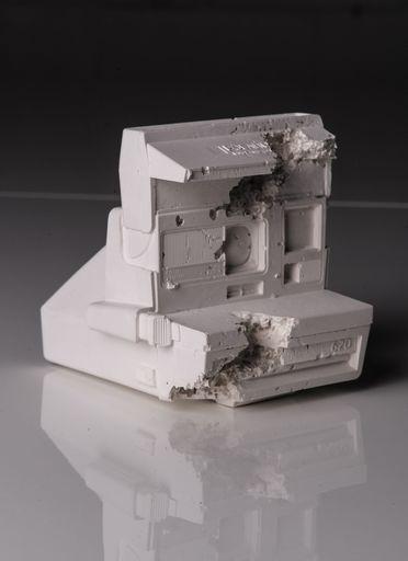 Daniel ARSHAM - Sculpture-Volume - Future Relic 06 (Polaroid Camera)