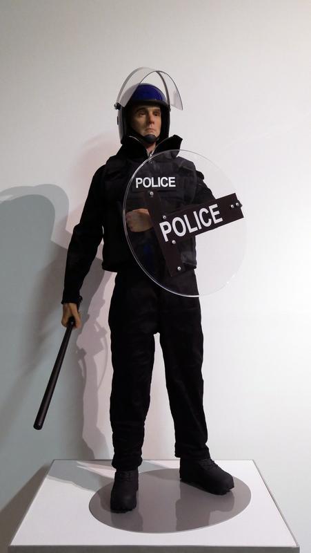 Eugenio MERINO - Sculpture-Volume - Toy UK Riot Police