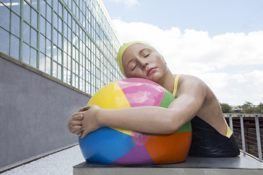 Carole FEUERMAN - Sculpture-Volume - Monumental Brooke with Beach Ball