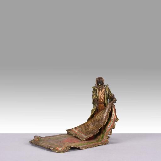 Franz BERGMANN - Sculpture-Volume - Carpet Seller